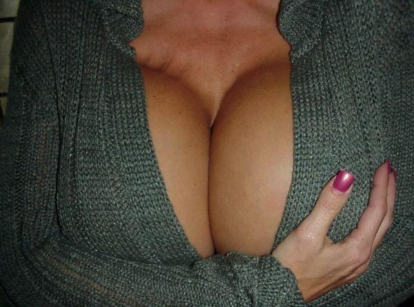 Tetona con un sweater