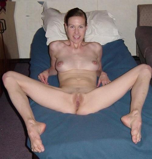 Milf abierta de piernas