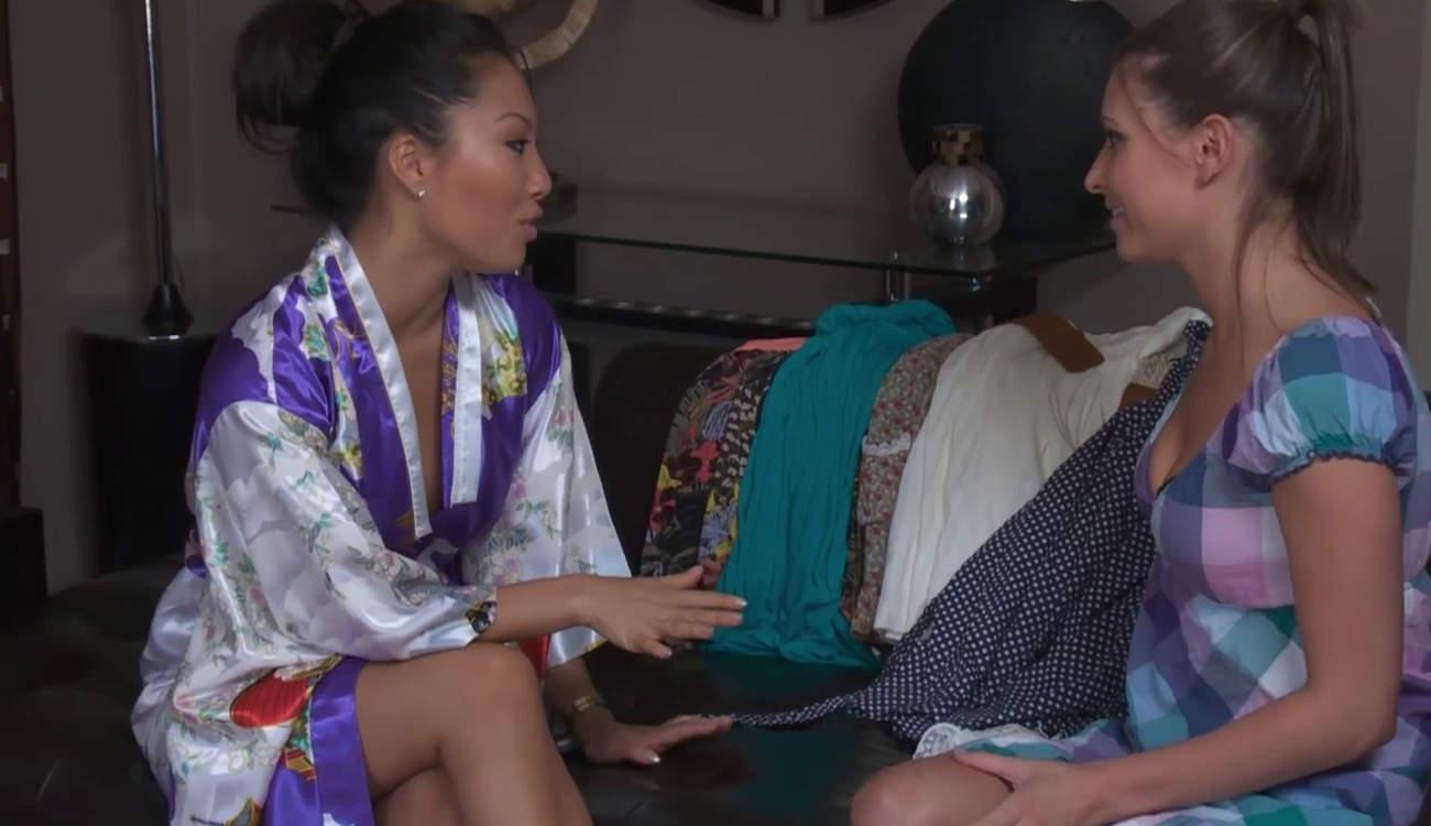 Asa Akira te hace un masaje oriental